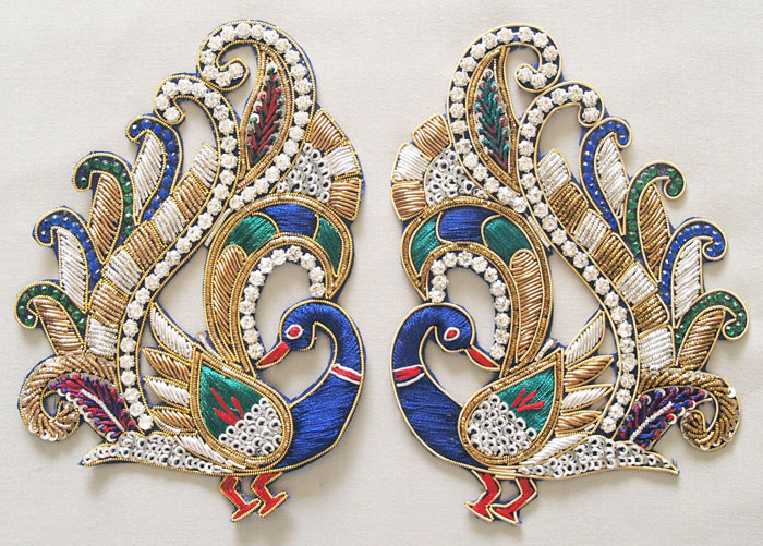 2 HandBeaded Appliques Sparkling Pair Of Peacocks Prong